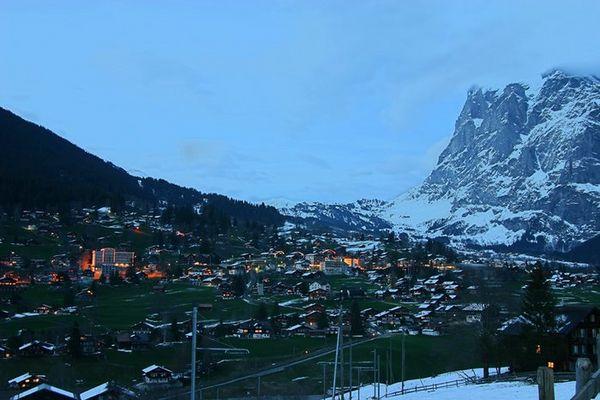 Grindelwald mit Blick vom Eiger in Richtung Wetterhorn