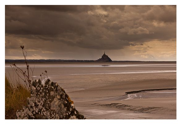 Gris sur Mont Saint Michel