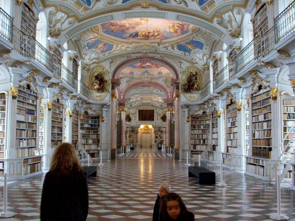 größte Bibliothek im besitz eines klosters