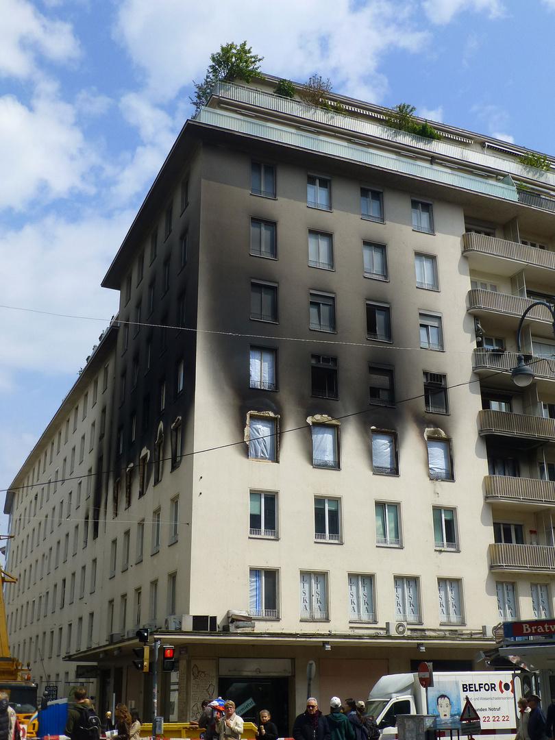 Großbrand am Hohen Markt in Wien 1010 - weil ein mensch mit sich und seiner