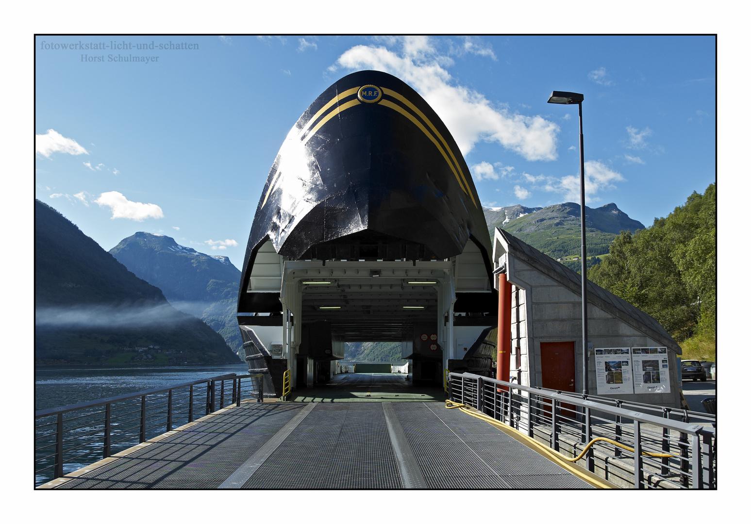 Große Klappe - Fährschiff Geirangerfjord