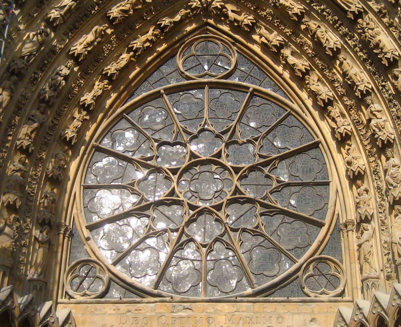 Große Rosette in Reims