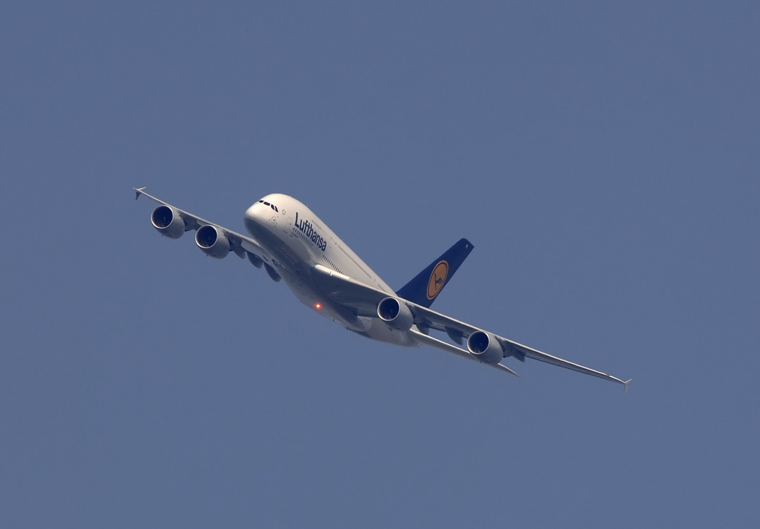 Großer Besuch in Berlin der LH Airbus A 380-841 D- AIMI,  Flug LH 9880
