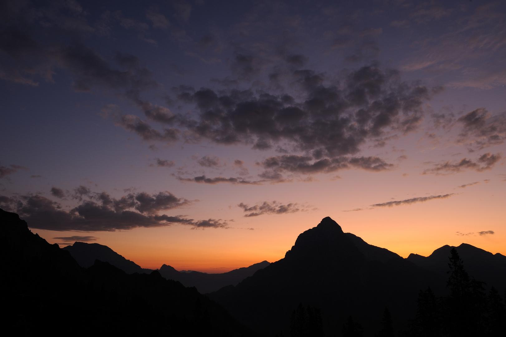 Großer Buchstein und Großer Ödstein im Sonnenaufgang