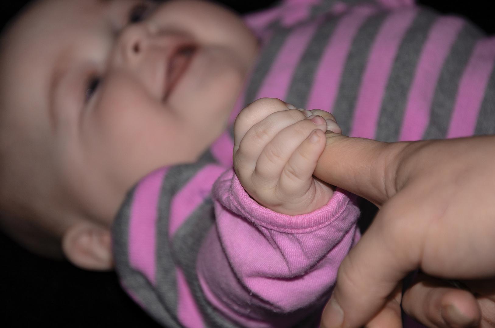 Grosser Finger - kleine Hand