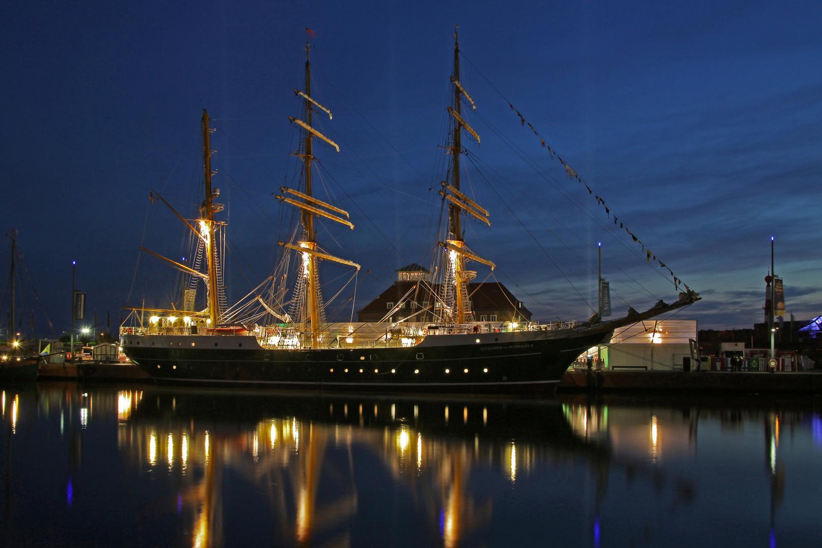 Großereignis Teil --1--: Tauftag der Alexander von Humboldt II am 24.9.2011 in Bremerhaven