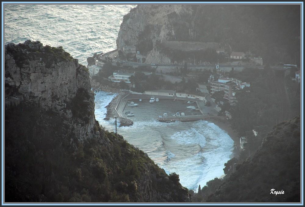 grosses vagues en Méditerranée