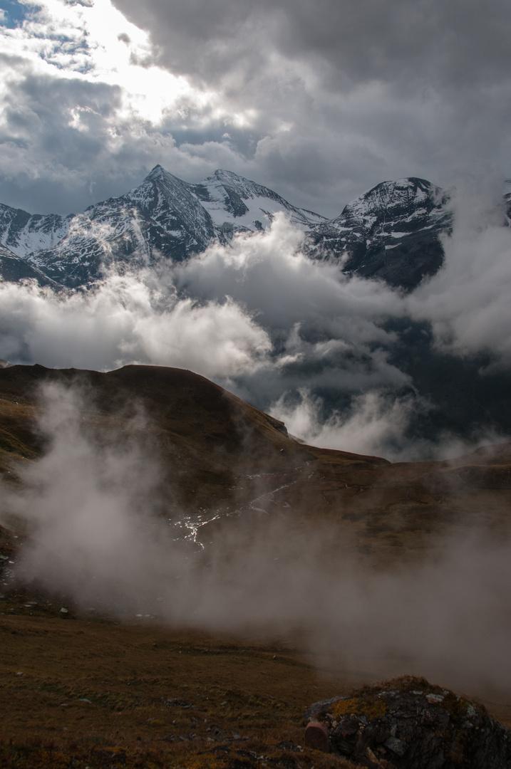 Großglockner mit Wolkenschleier