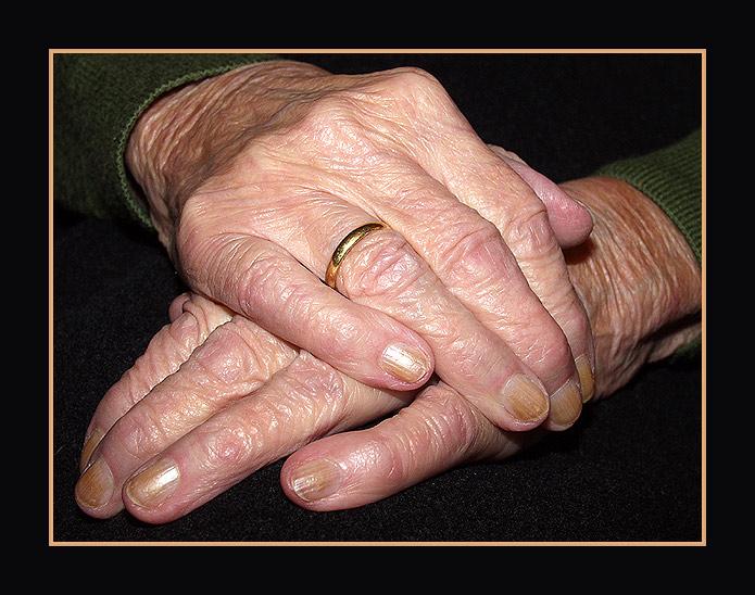 Großmutters Hände