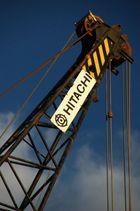 """Grue """"HITACHI"""" sur le port de Cassis (Var, France)"""