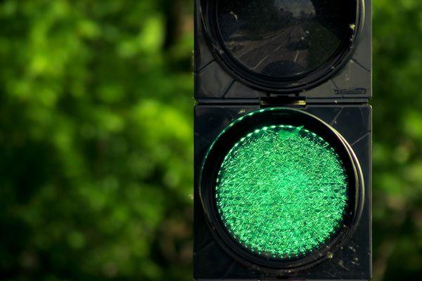 Grünes Licht geben