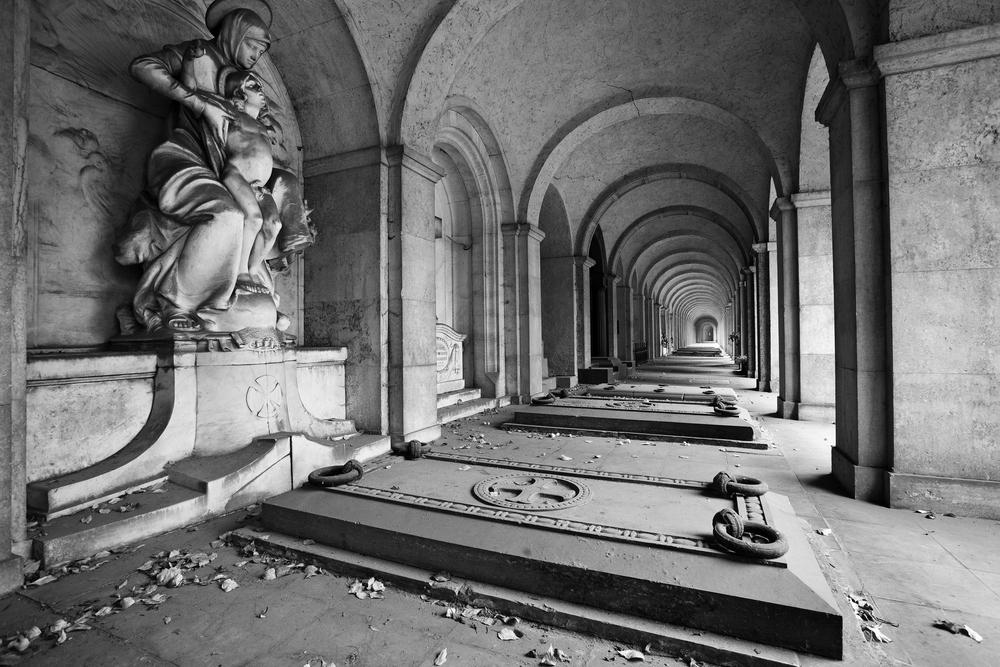 Gruftenhalle am Frankfurter Hauptfriedhof