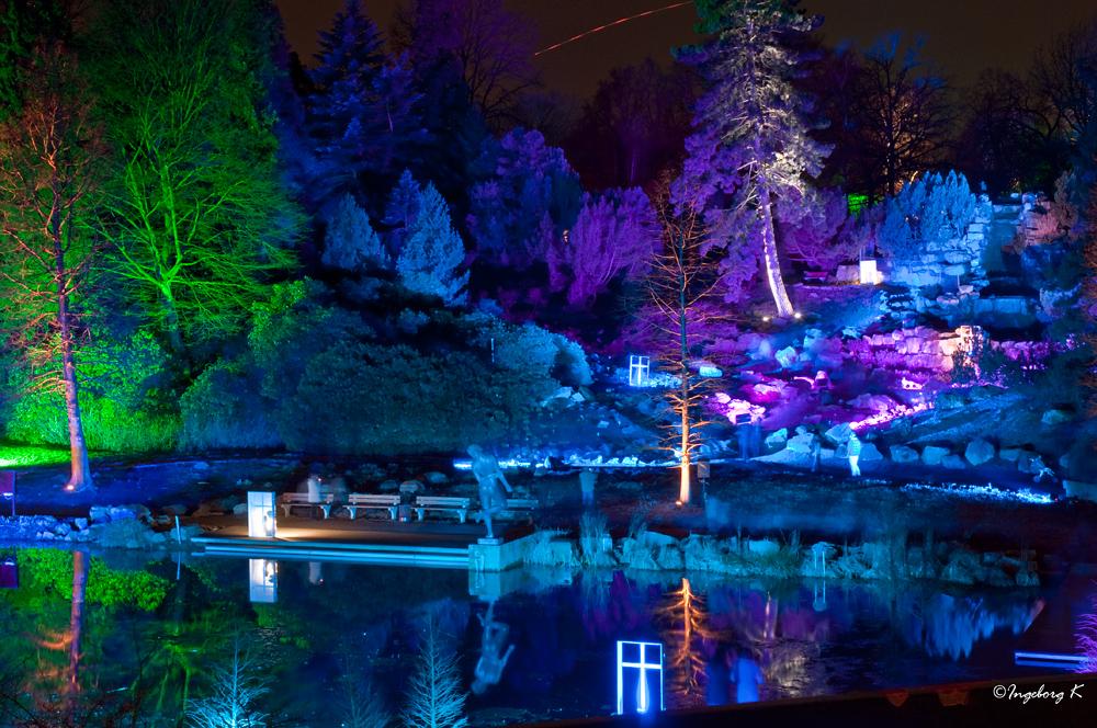 Gruga Essen - Lichtspiele am Alpinum - blau
