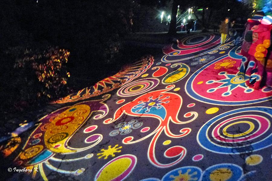 Grugapark - Lichterwochen - Lichtspiele auf dem Weg 2