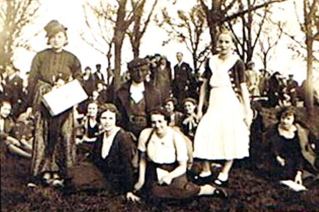 Gruppenbild um 1935 (2)