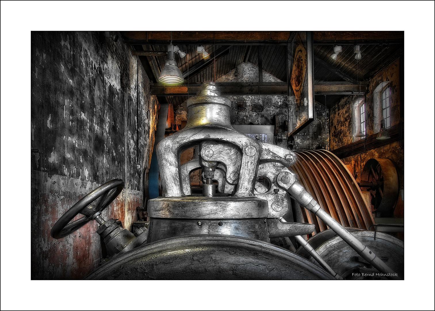 Gsenkschmiede Dampfmaschine ..