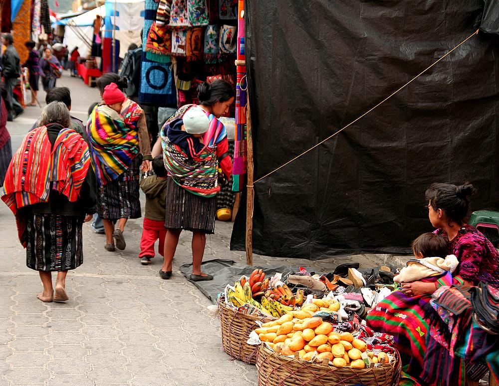 Guatemaltekinnen auf dem Markt in Chichicastenango