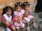 Guatemaltekische Kinder am Fest