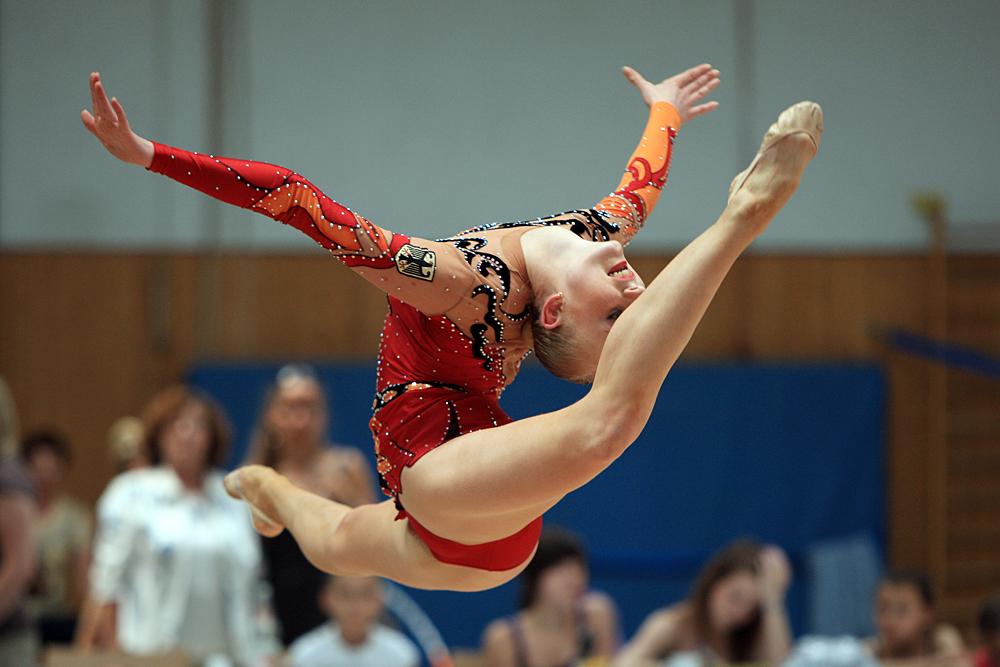 Gymnastin mit Seil