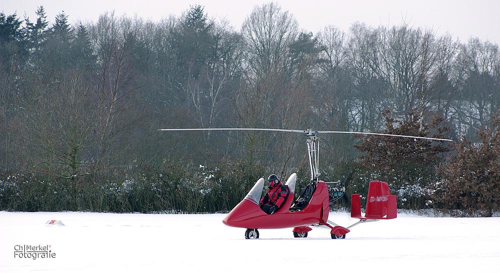 Gyrocopter im Schnee