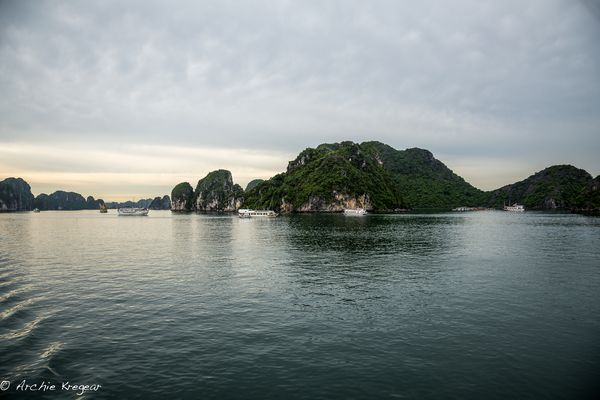 Ha Long Bay - Enter