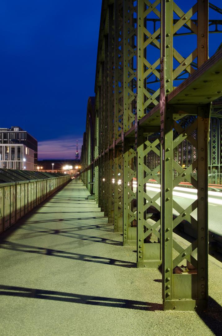 Hackerbrücke seitlich München