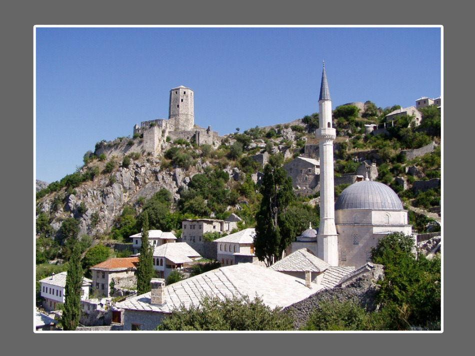 Hadzi Alija mosque, and fortress in Pocitelj