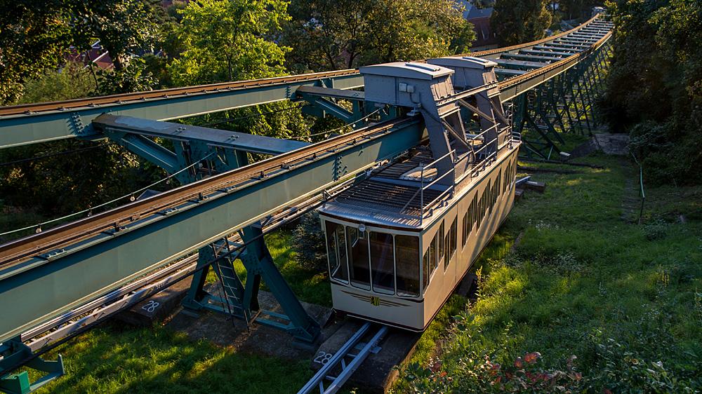 Hängeseilbahn oder Dresdner Schwebebahn