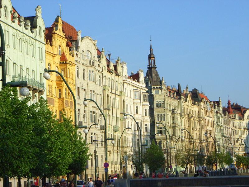 Häuser an der Moldau