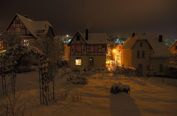 Häuser bei Nacht