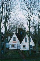 Häuser hinterm Deich