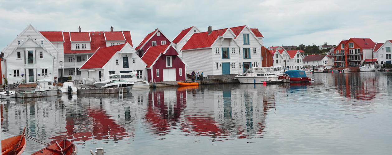 Häuser und Wasser