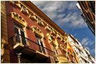Häuserfront in Catargena