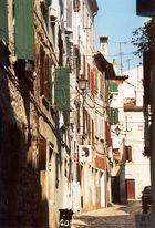 Häuserfront in Rovinjs Altstadt
