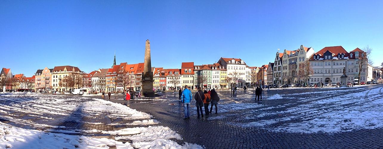 Häuserpanorama am Domplatz in Erfurt