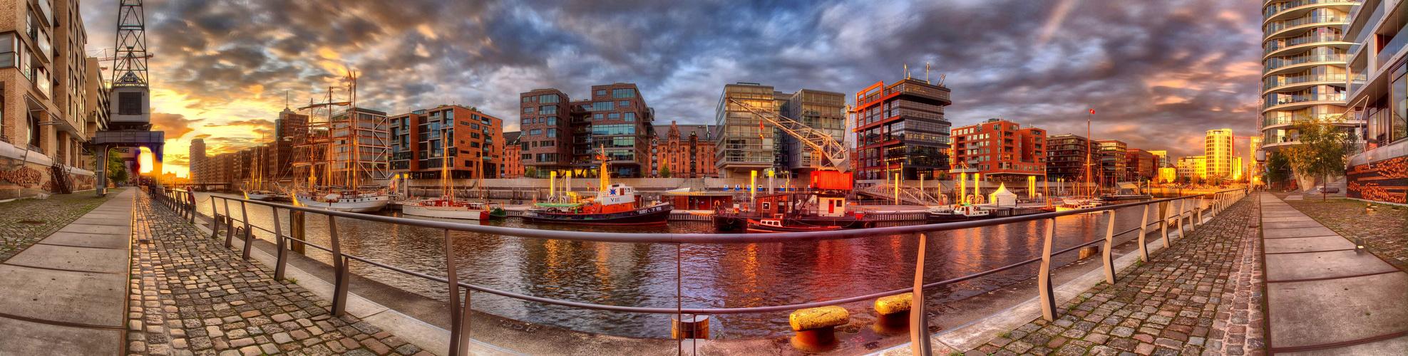 + Hafen City +