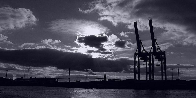 Hafen Hamburg im Herbst