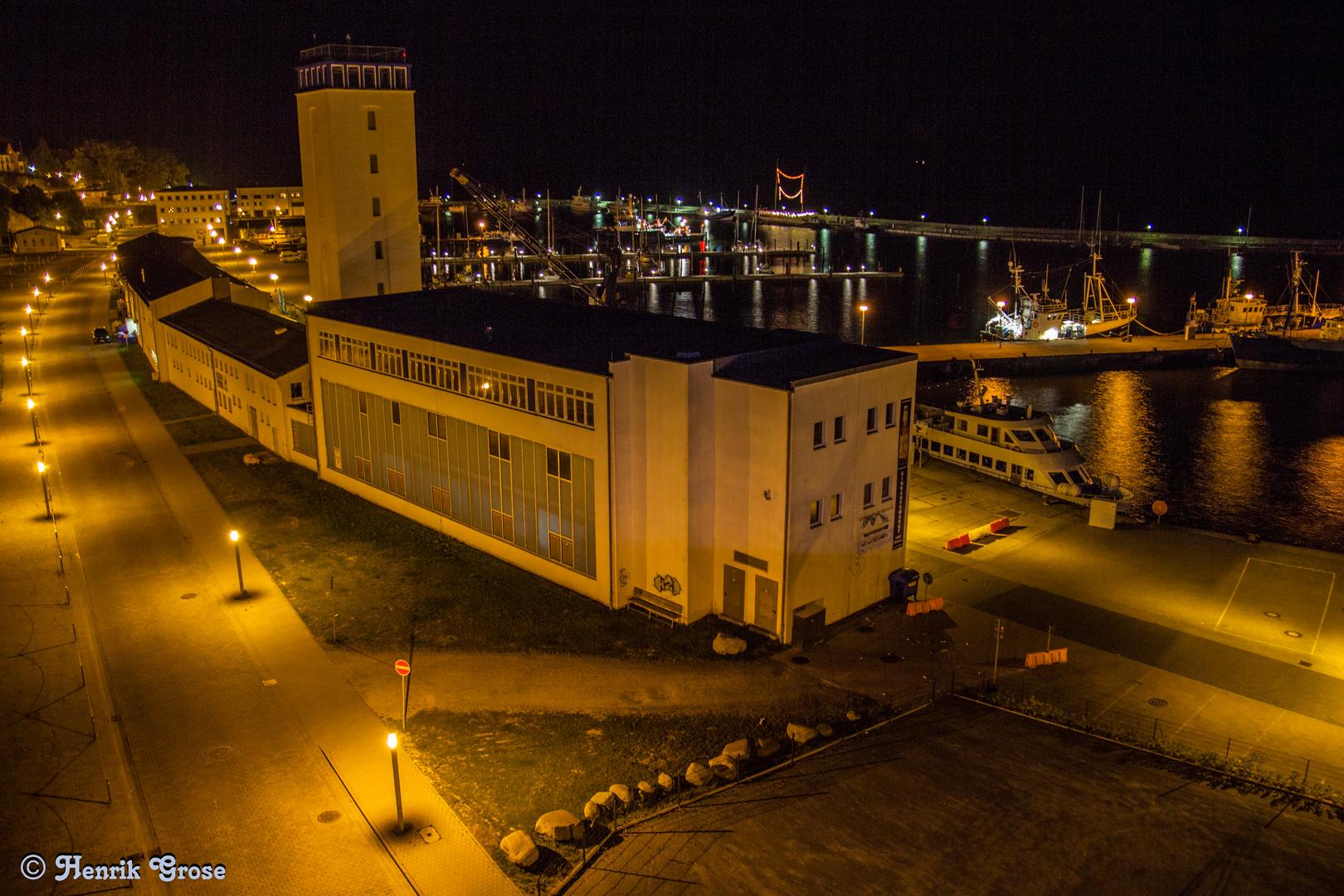 Hafen in Sassnitz bei Nacht