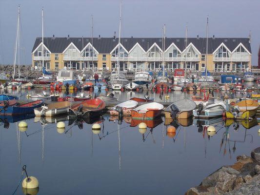 Hafen mit Ferienwohnungen in Hasle