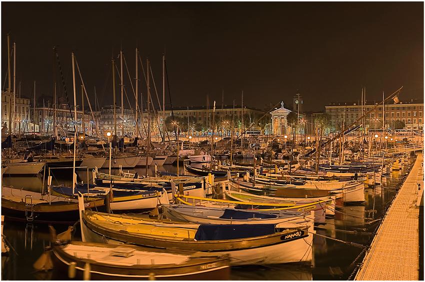 Hafen Nizza bei Nacht