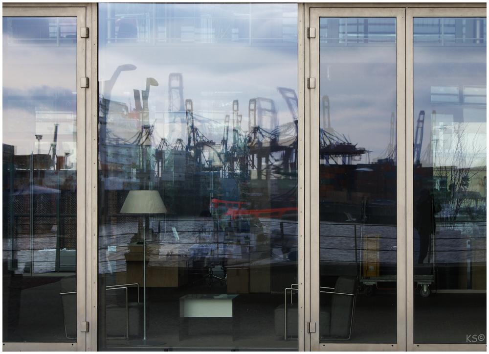 Hafen-Spiegelung