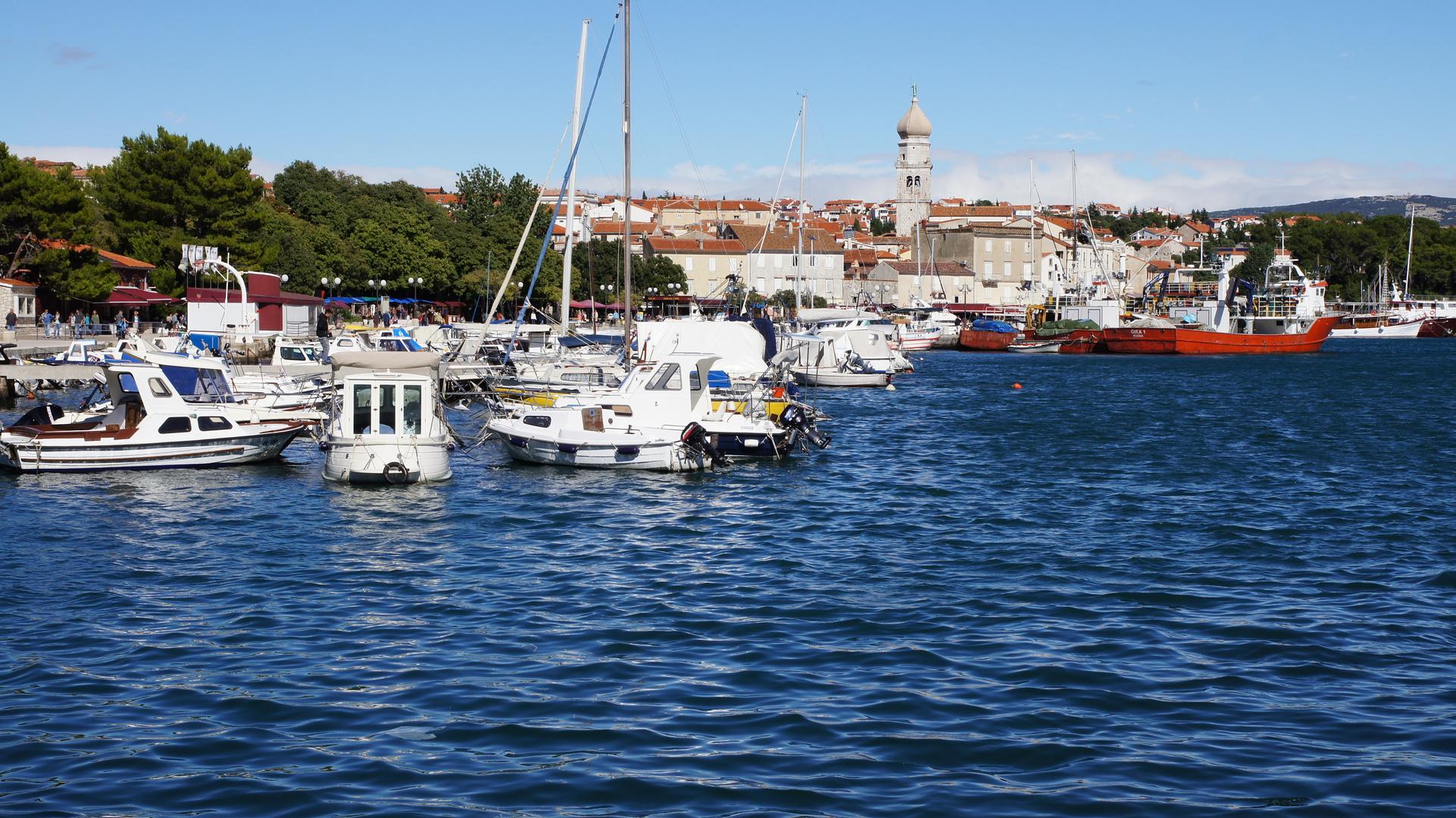 Hafen und Altstadt von Krk (Insel Krk)