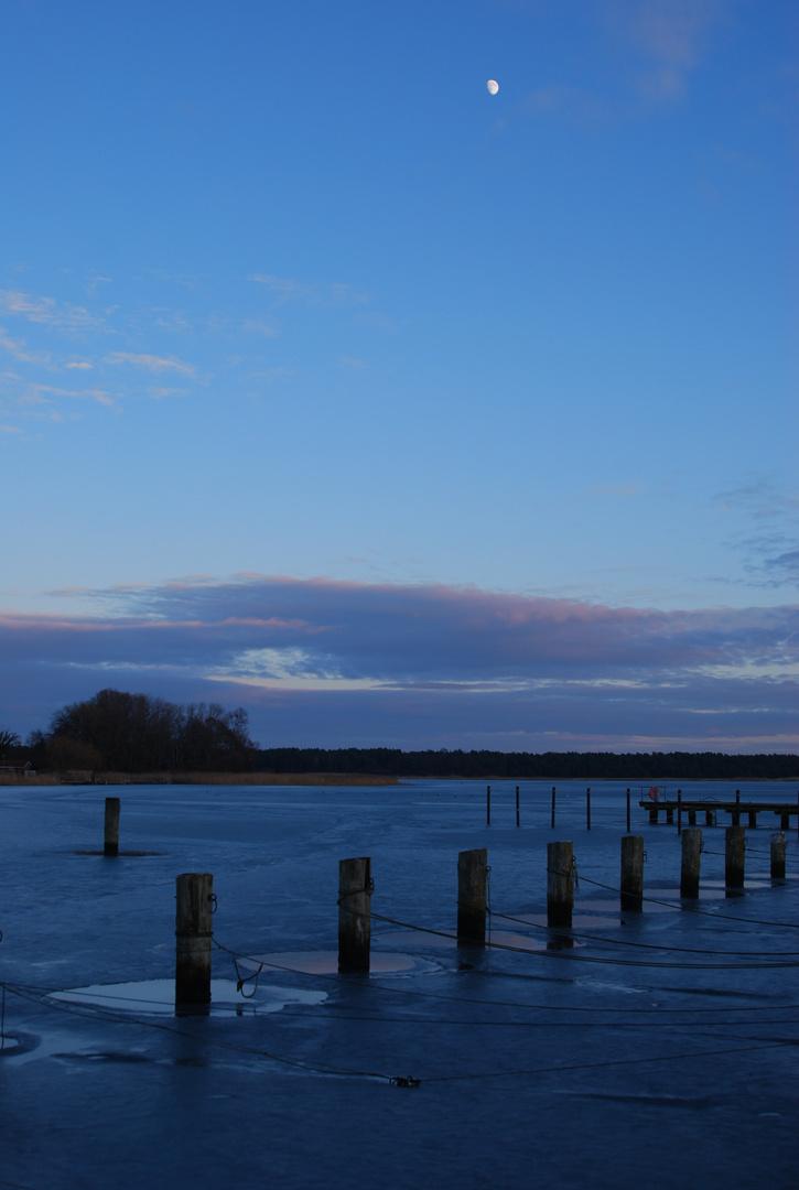 Hafen von Breege auf Rügen im Dezember