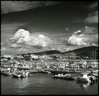 Hafen von Isola Rossa - Sardinien