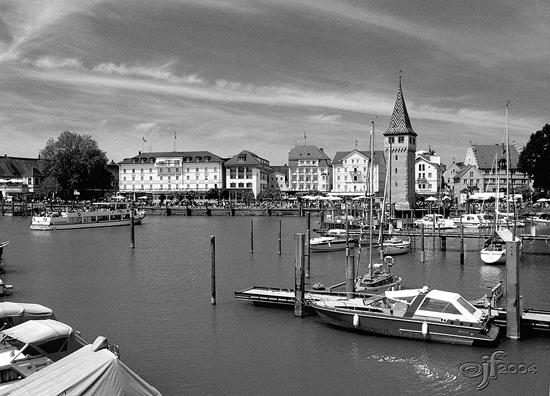 Hafen von Lindau s/w
