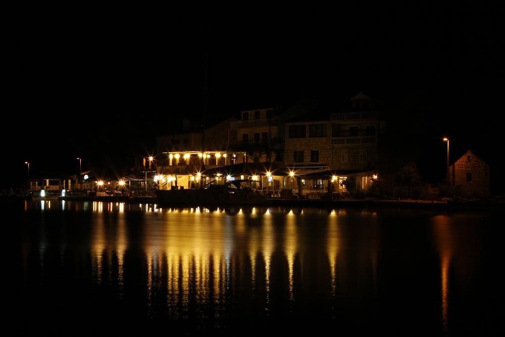 Hafen von Pomena