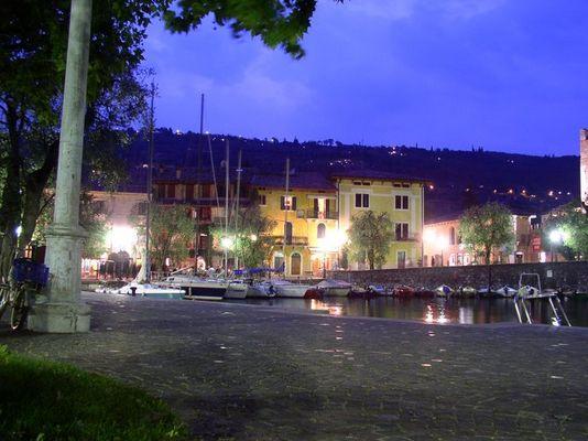 Hafen von Torri del Bennaco