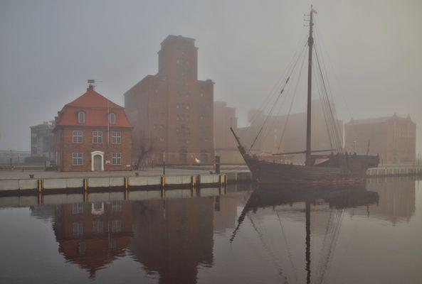 Hafen Wismar mit Kogge