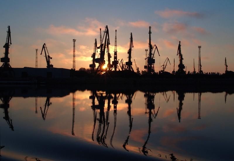 Hafenanlagen am Donaudelta bei Tulcea