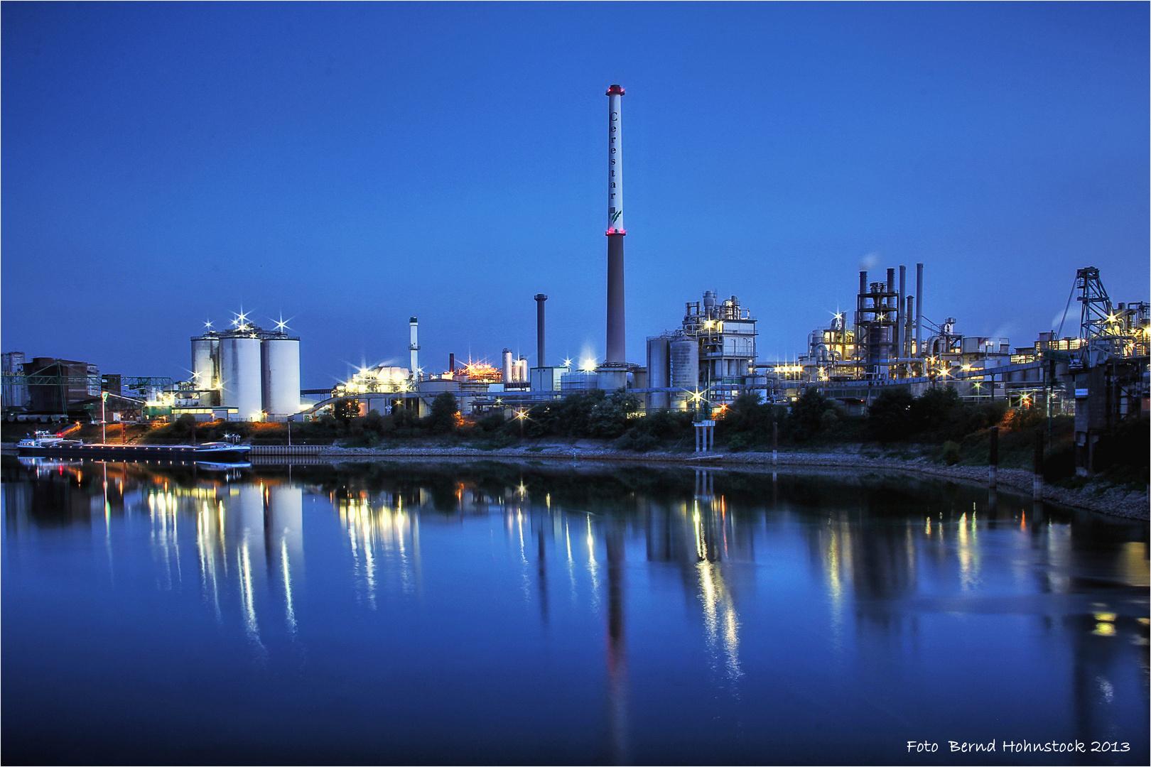 Hafenbecken Krefeld Uerdingen ....